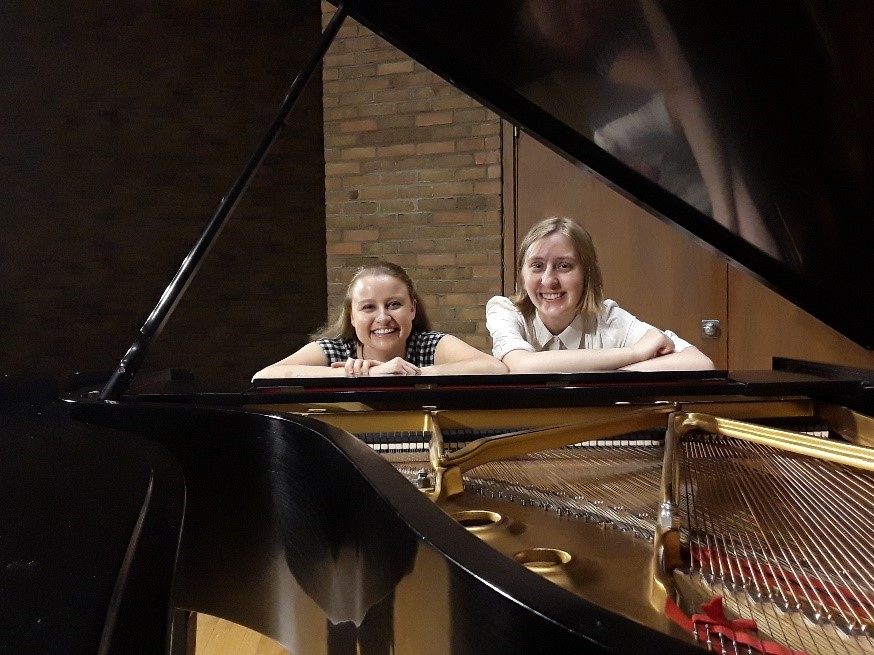 UMU Students, Jenna Hoffman and Abigail Ogonek to present Duo Piano Recital